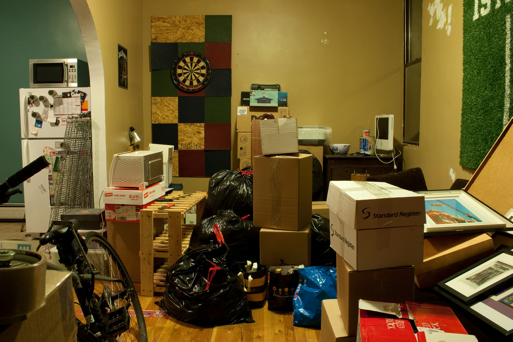 Image gallery messy apartment Messy apartment